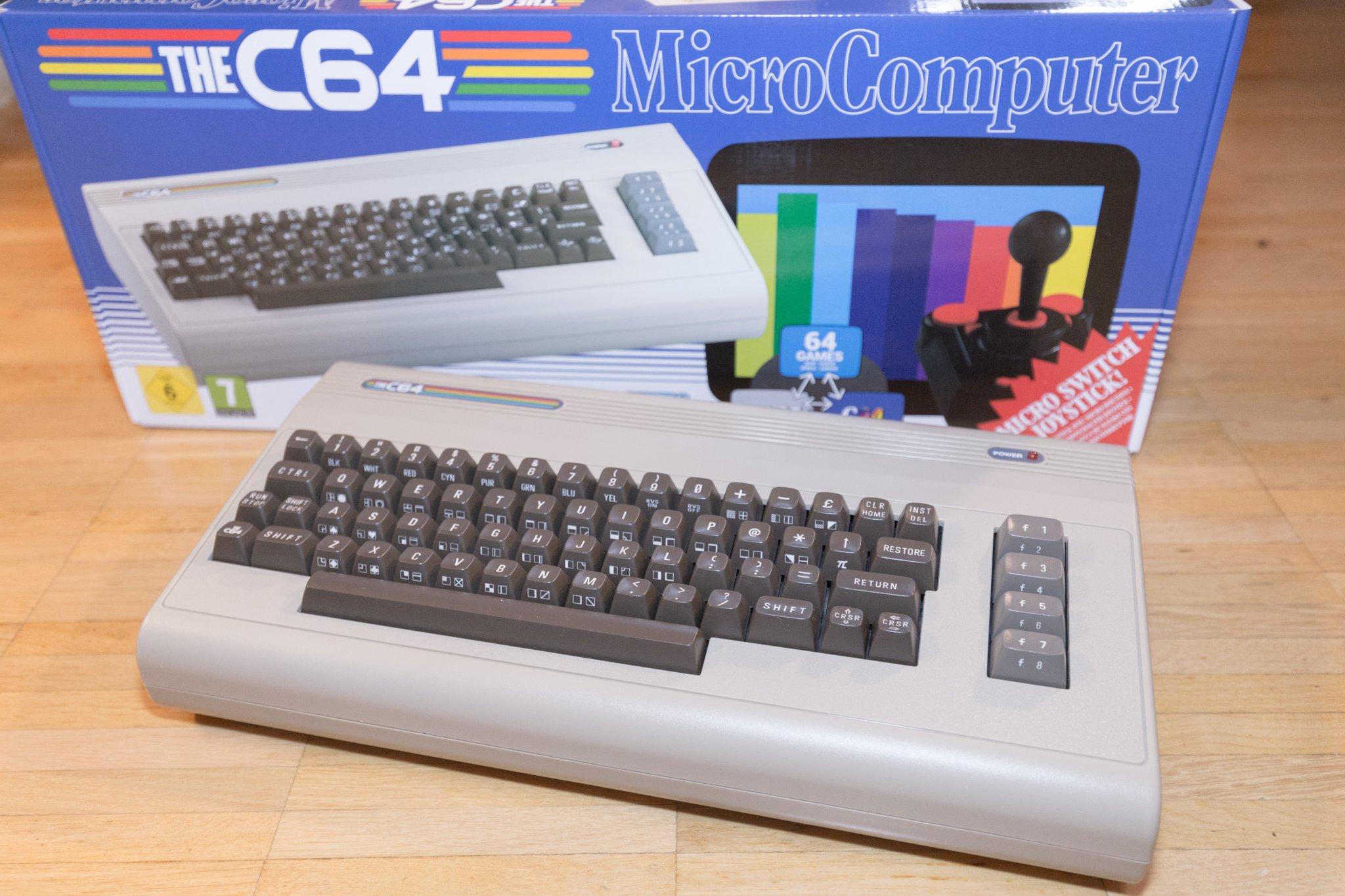 The C64 Maxi Unboxing