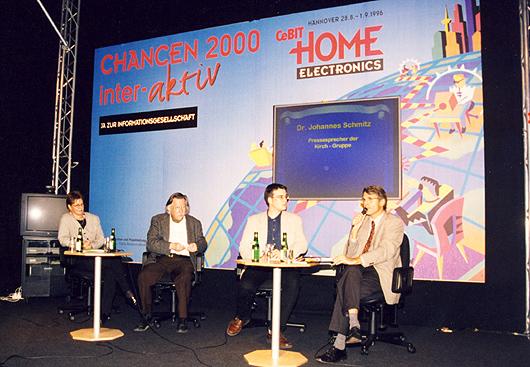 Links neben mir Christa Sager und Joseph Weizenbaum, rechts Johannes Schmitz