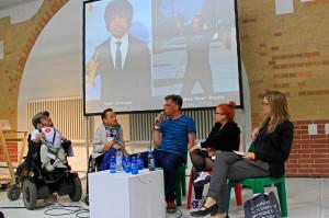 Raus Raus der Rolle - Behinderung im Fernsehen. V.l.n.r.: Raul Krauthausen, erwin aljukic, Martin Fromme, Ninia Binias, Moderation: Lilian Mahsur.