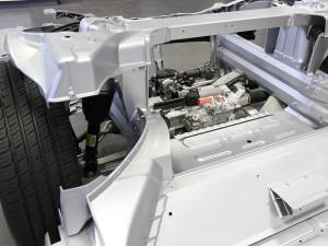 Einen Motor sucht man beim Tesla vorne vergeblich. Daher ist unter der Motorhaube auch ausreichend Platz für Reisegepäck oder Einkäufe.